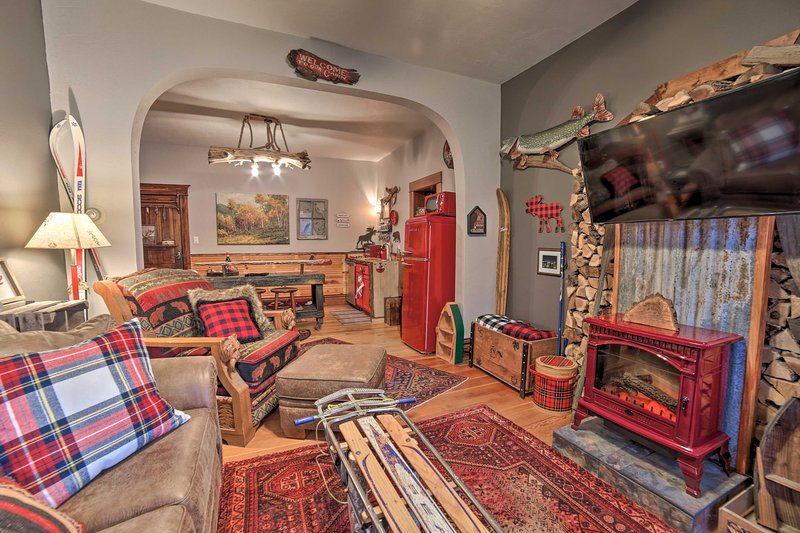 One-of-a-Kind Rustic Retreat in Dtwn Sturgeon Bay!, vacation rental in Algoma