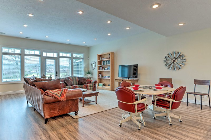Find your home-away-from-home at this Camdenton vacation rental!