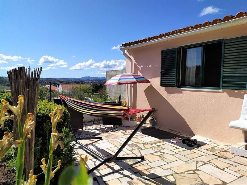 ❣ Ocean Blue Studio ❣ Mountains View + Garden+ BBQ + Free Bikes + Free Parking, casa vacanza a Gradil
