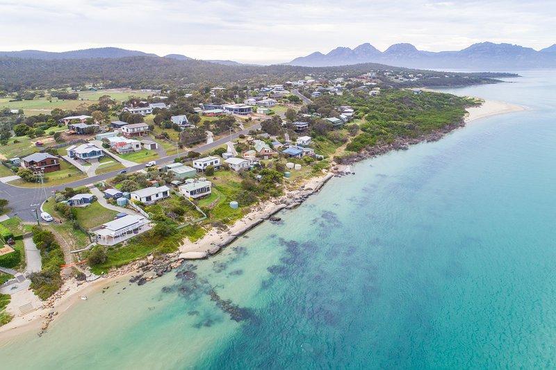 Granite Beach House, vacation rental in Coles Bay
