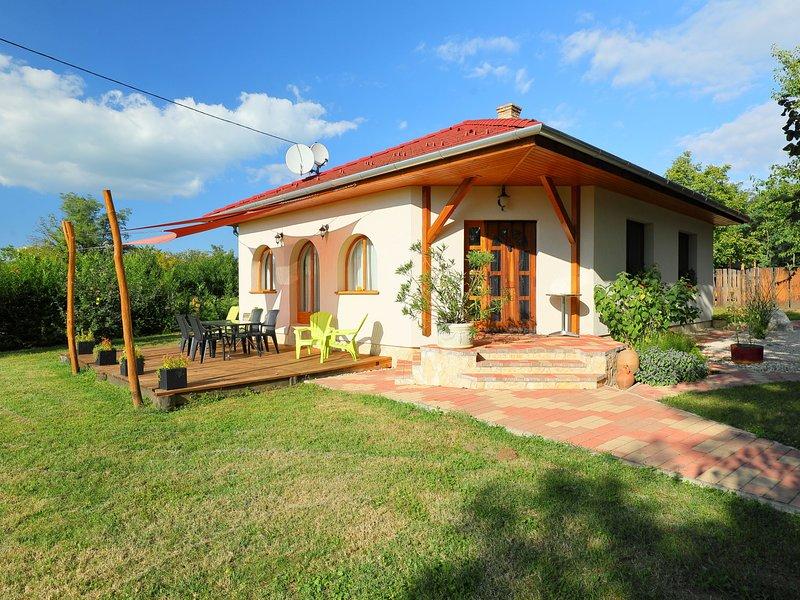 Balaton H2070, holiday rental in Igal