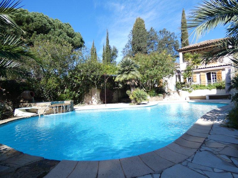 Villa provençale, plage de Pampelonne à pied, piscine privée, holiday rental in Ramatuelle