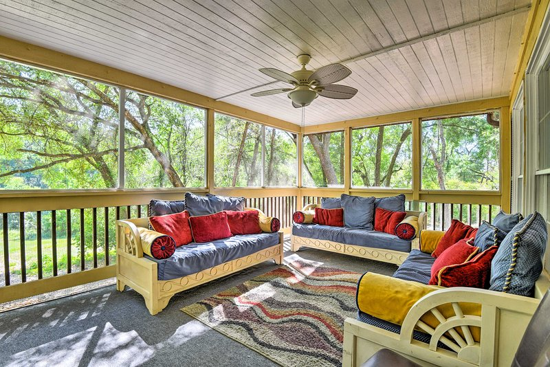 NEW! Rural Apopka Home, 5 Miles to Wekiwa Springs!, location de vacances à Apopka