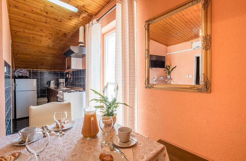Holiday home 143993 - Holiday apartment 127167, vacation rental in Srebreno