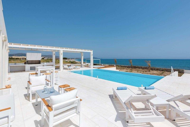 Luxury beachfront villa, Holiday Resort location, holiday rental in Kolimbia
