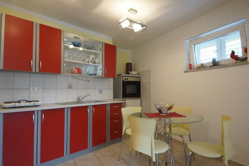 Holiday home 147455 - Holiday apartment 132953, holiday rental in Breze