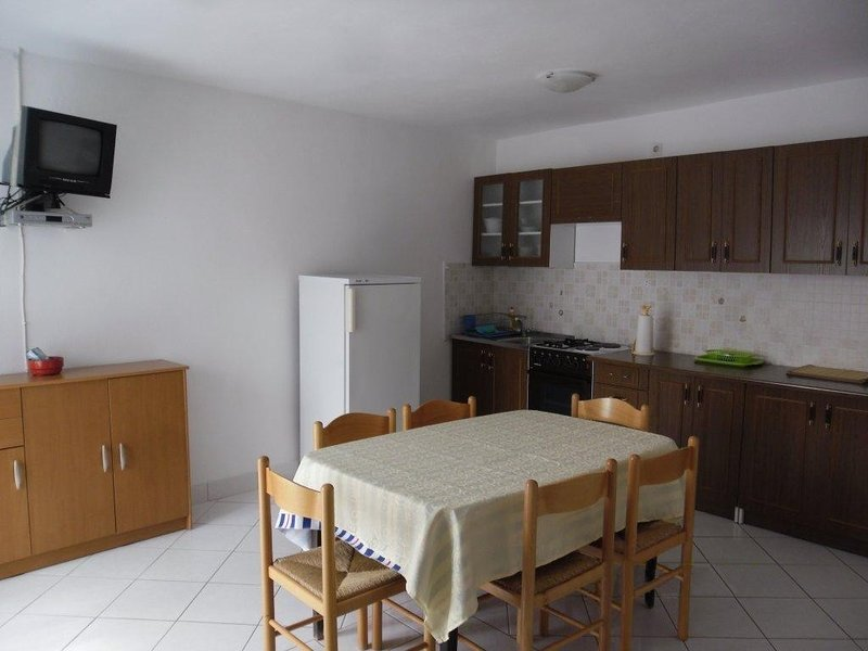 Holiday home 161169 - Holiday apartment 160205, vacation rental in Miholascica