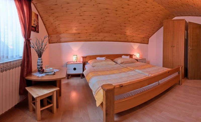 Holiday home 158641 - Guest room 174765, holiday rental in Grabovac