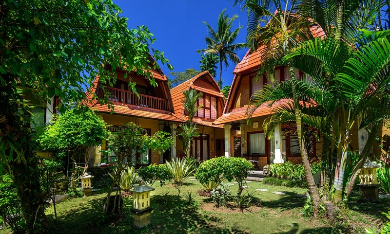 3BR Villa with Garden & Pool View, holiday rental in Lodtunduh