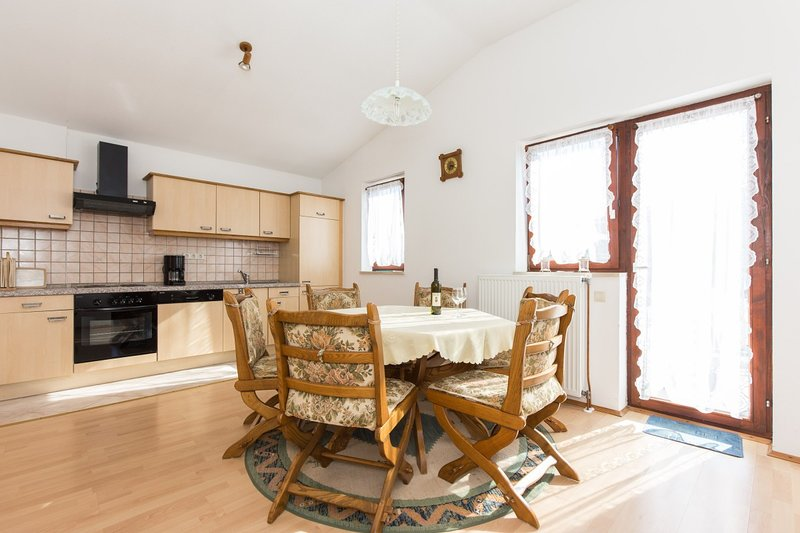 Holiday home 188844 - Holiday apartment 223371, casa vacanza a Milohnici