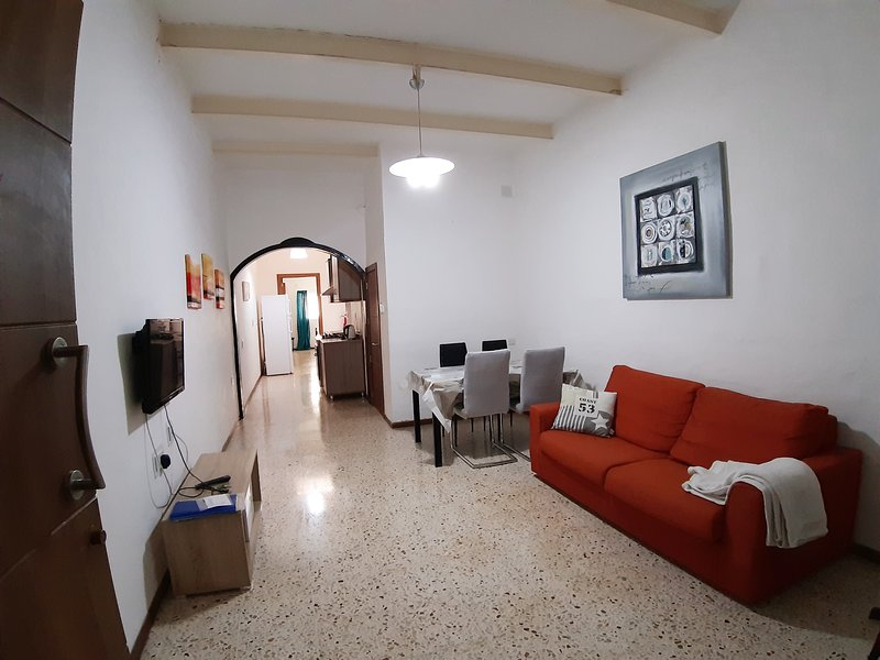 Apartment in Central St Julian's, Ferienwohnung in San Ġiljan