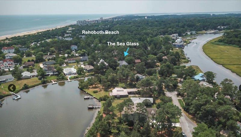 Endless Summer- Canal Beauty /w  GOLF CART & POOL  # Beach/Pool/Dock/Kayaks, holiday rental in Rehoboth Beach