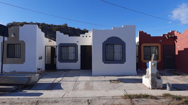 Casa completa cerca de La Bartina, holiday rental in Guaymas