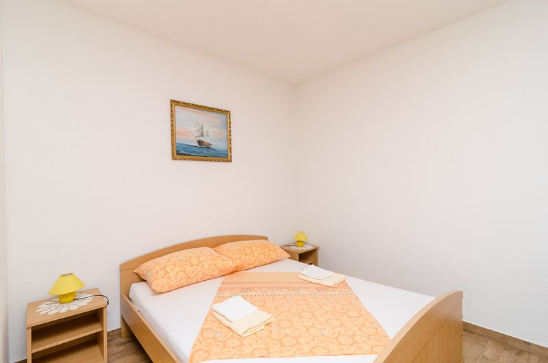 Apartments Skurla - Studio Apartman (A2), holiday rental in Saplunara