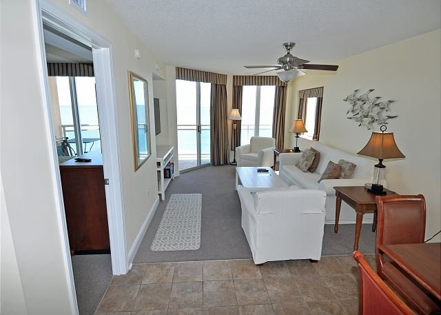 Direct Oceanfront Unit in Crescent Beach. Fantastic unit, location de vacances à North Myrtle Beach