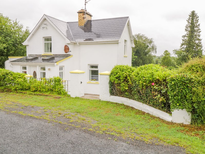 Buttercup Cottage, Ballinamore, County Leitrim, holiday rental in County Leitrim