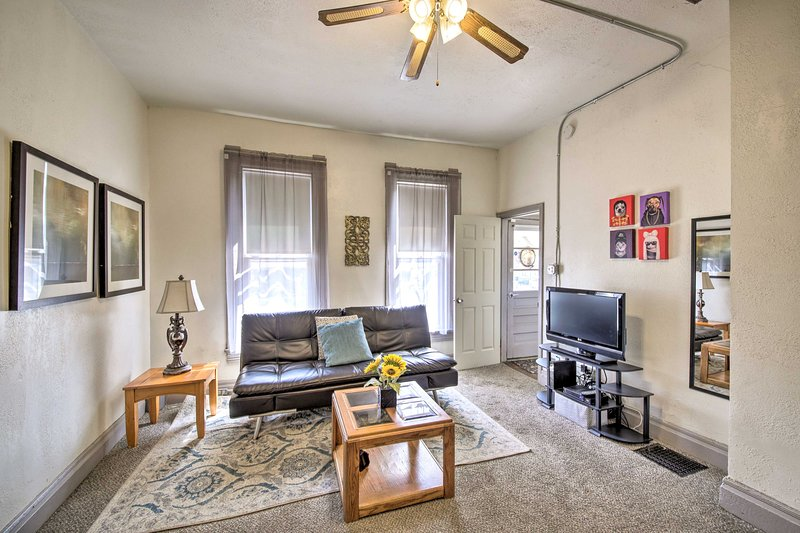 Downtown Indy: Prime Location w/Off-Street Parking, holiday rental in Wanamaker
