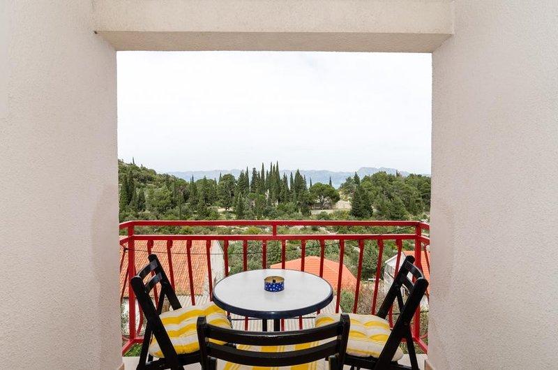 Apartments Villa Nikol - Standard Two Bedroom Apartment with Sea View, casa vacanza a Oskorusno