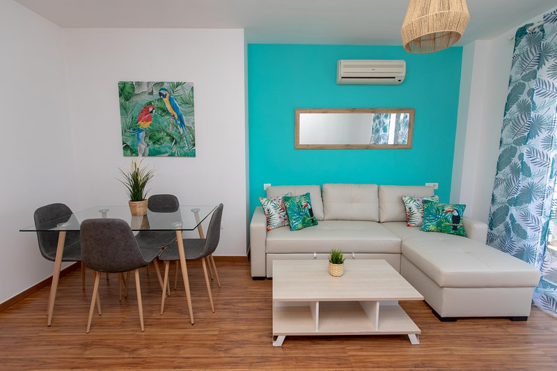 Holidays By The Sea Apartment, holiday rental in Pedregalejo
