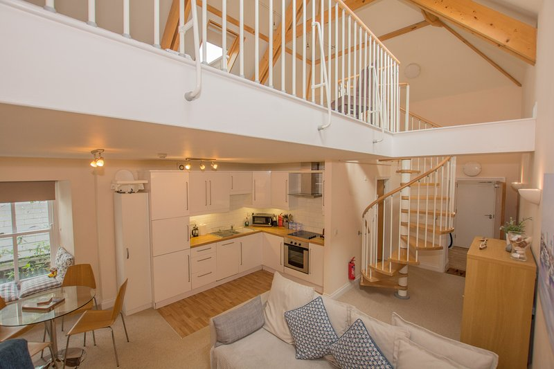 Central Tenby - Spacious Modern Holiday Home, Ferienwohnung in Tenby