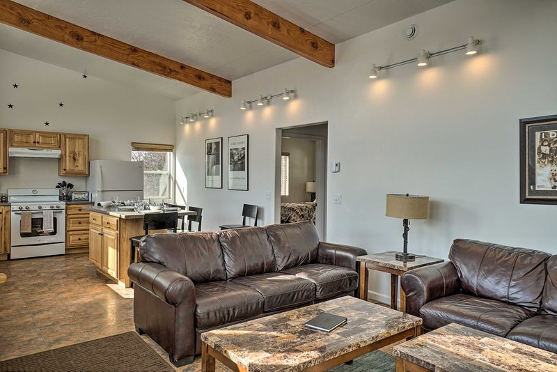 NEW! Pet-Friendly Escape w/ Northern Lights View!, holiday rental in Fritz Creek