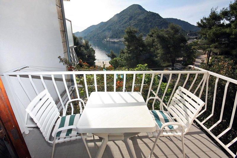Sovra Apartment Sleeps 2 with Air Con - 5463559, location de vacances à Sobra