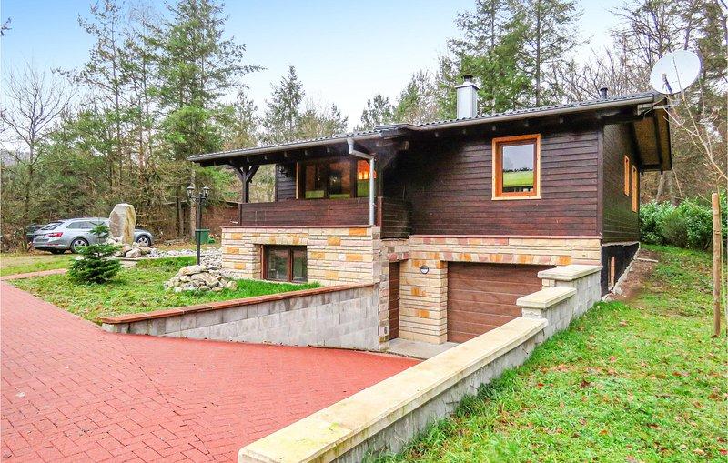 Nice home in Merzalben with WiFi and 2 Bedrooms (DPW104), location de vacances à Rodalben
