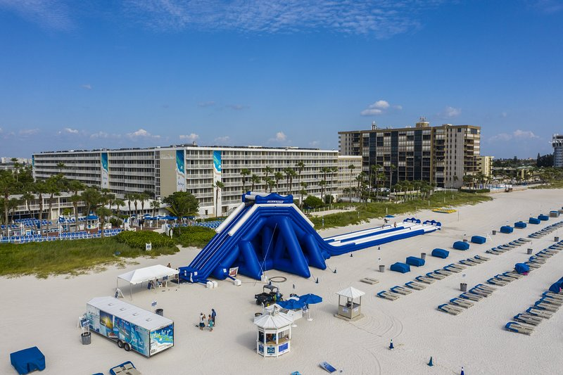 Dazzling Tradewinds, Gulf Front Studio, holiday rental in St. Pete Beach