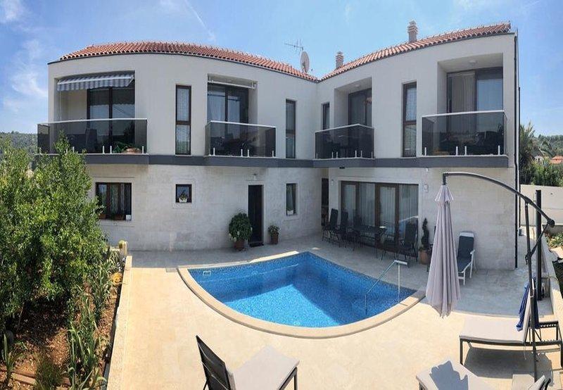 Veli Drvenik Apartment Sleeps 4 with Pool and Air Con - 5801748 – semesterbostad i Veliki Drvenik