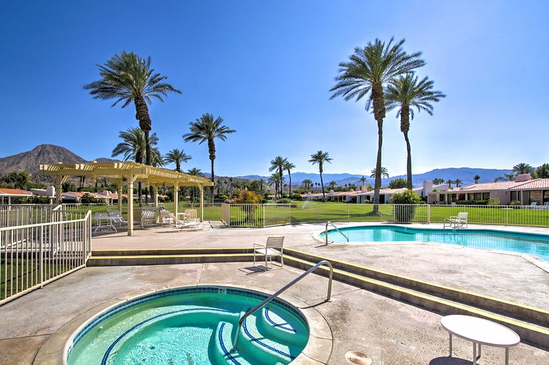 Indian Wells Desert Paradise w/ Mtn View + Patio!, holiday rental in Indian Wells