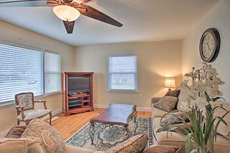 NEW! Beautiful Bartlesville Home with Game Room!, location de vacances à Bartlesville