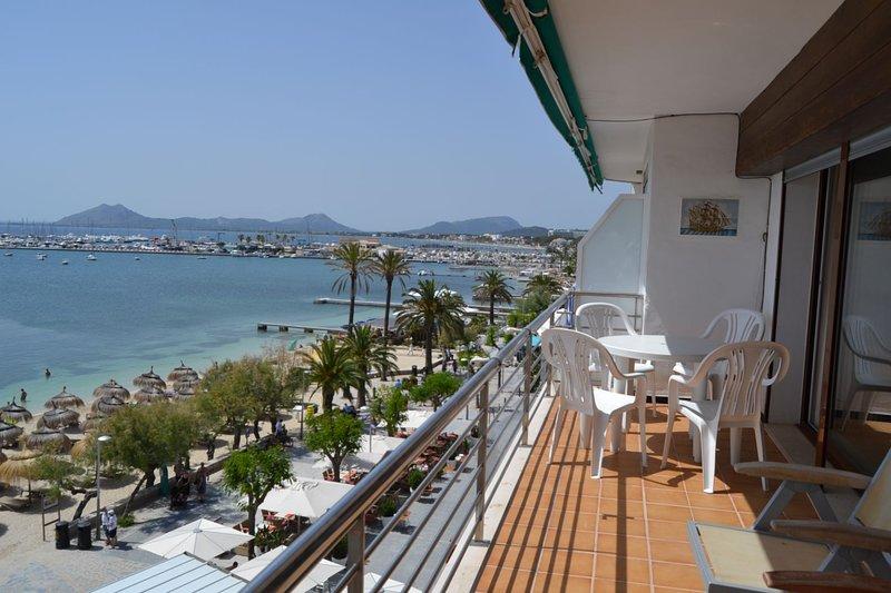 Vistas espectaculares de Bahia de Pollensa desde este apartamento, aluguéis de temporada em Formentor