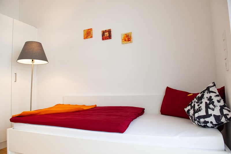 MyRoom - Top Munich Serviced Apartments, holiday rental in Oberhaching