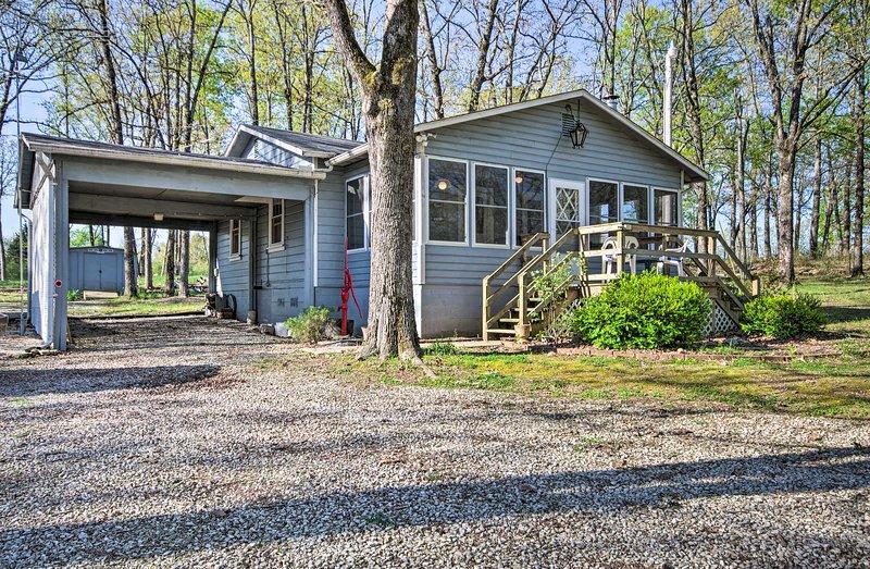 NEW! Home on Bull Shoals Lake ~40 Miles to Branson, aluguéis de temporada em Theodosia