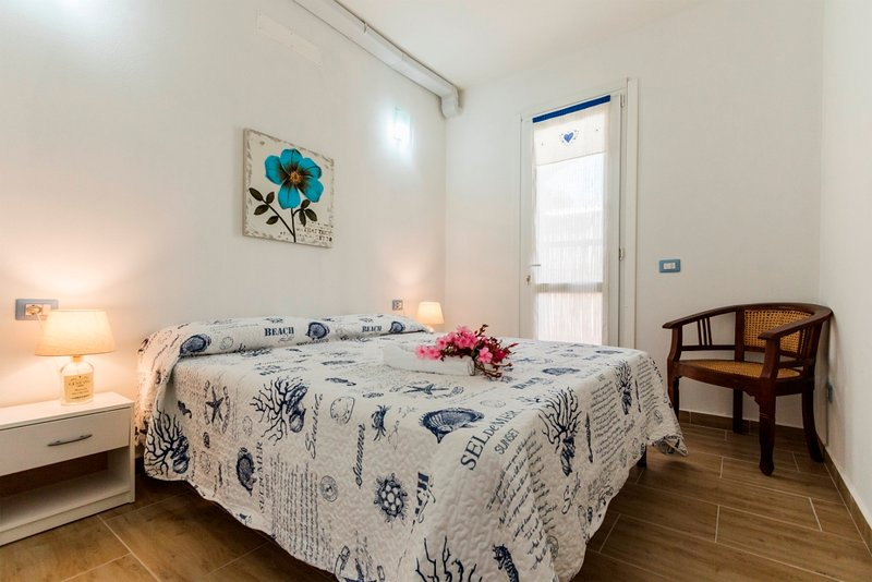 IRIS, appartamento con vista panoramica, alquiler de vacaciones en Calasetta