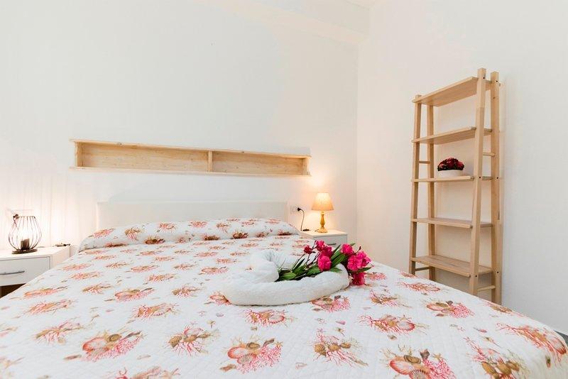SULCIS, appartamento in stile tipico sardo, holiday rental in Calasetta