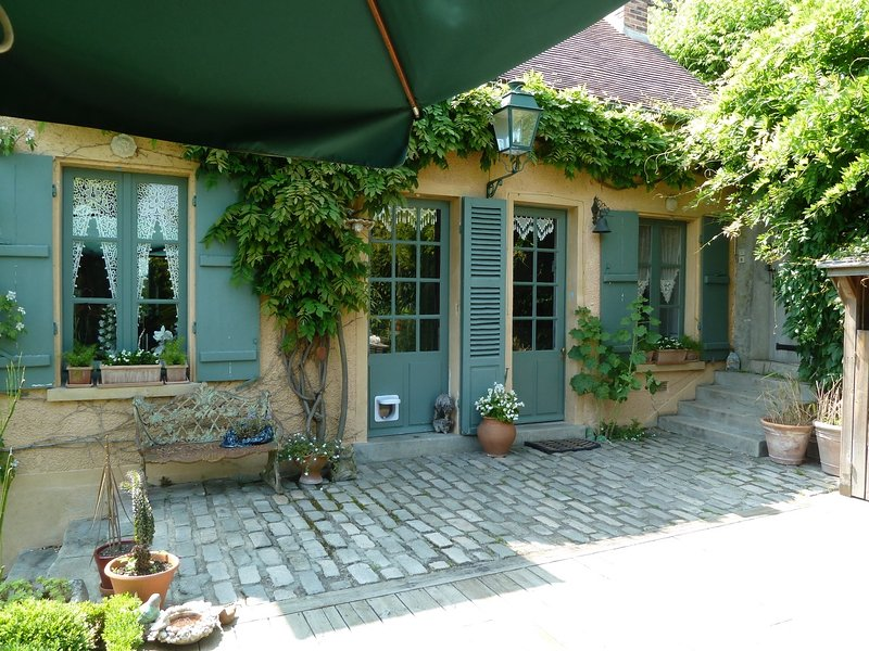 LES HORTENSIAS, holiday rental in Septeuil