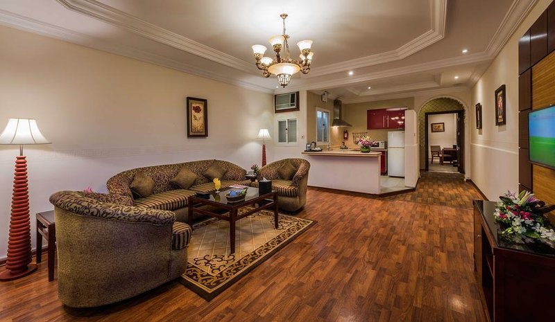 POSH 1 BR AT HIRA STREET, NEAR HERA AVENUE MALL, AN NAHDAH, Ferienwohnung in Makkah Province