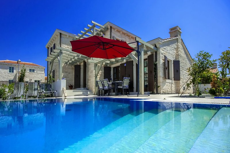 Villa Zephyra, vacation rental in Liznjan
