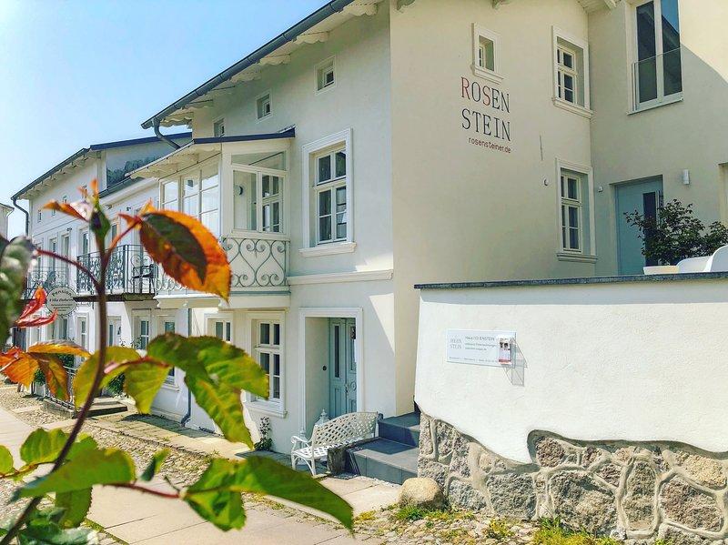 Haus Rosenstein - Ferienwohnung Elisa, vacation rental in Lohme