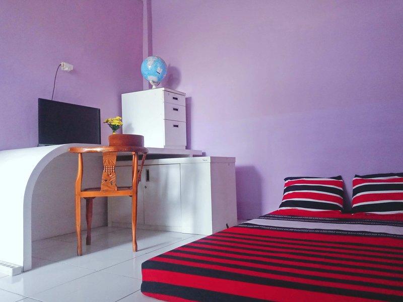 Daily Guest house Semarang City Center, vacation rental in Semarang
