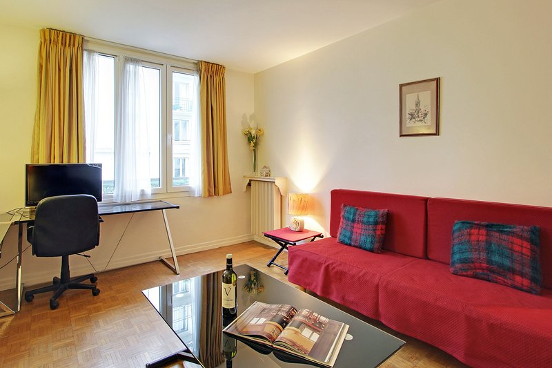 111263 - Apartment for 3 people, metro station Nation, holiday rental in Saint-Mande