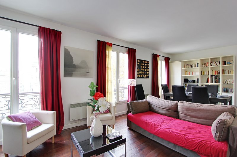 313258 - A large family flat in the south of Paris, metro Gobelins, holiday rental in Kremlin Bicetre