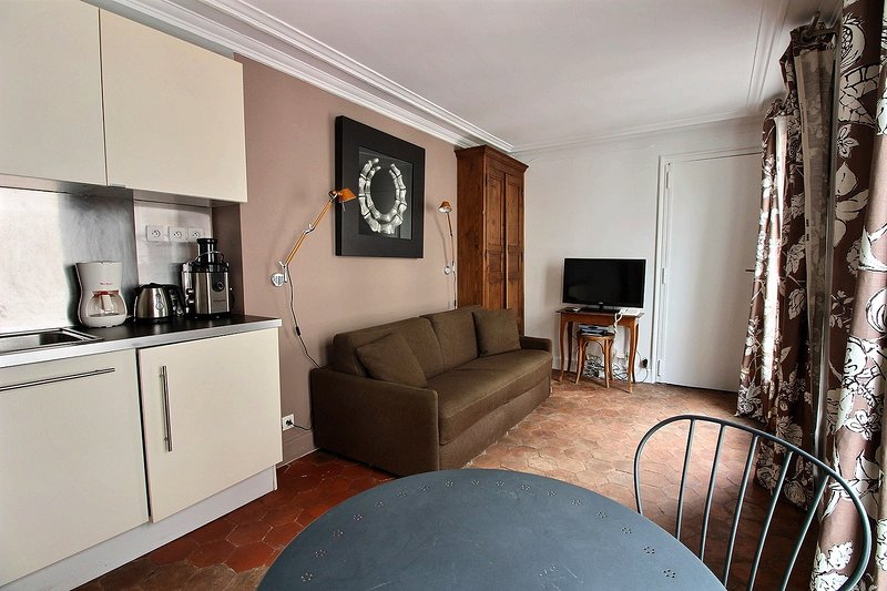 S06315 - Charming studio for 2 people in the Latin Quarter, holiday rental in Paris