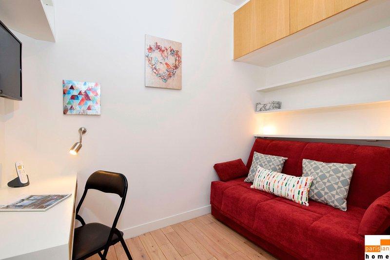 S06138 - Charming studio for 2 people in Saint-Germain-des-Près, vacation rental in Paris