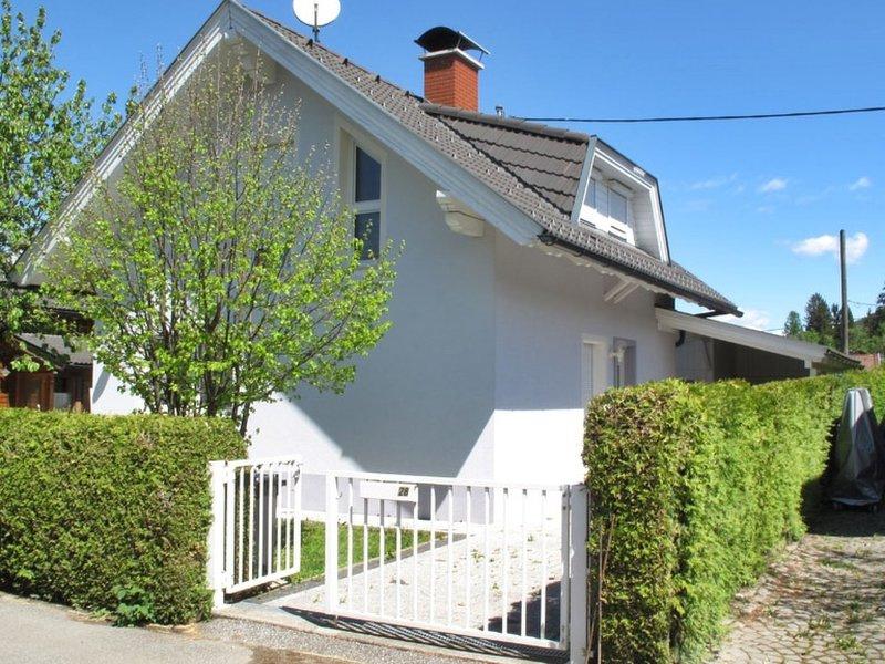 Seehaus Blue Faak, holiday rental in Oberaichwald