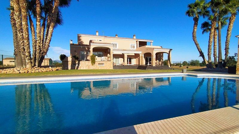 FINCA VILLA ROIG, holiday rental in La Salzadella