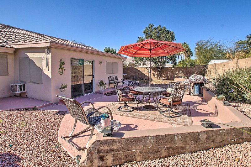 Pet-Friendly Central Phoenix Home w/ Large Patio!, vacation rental in Glendale
