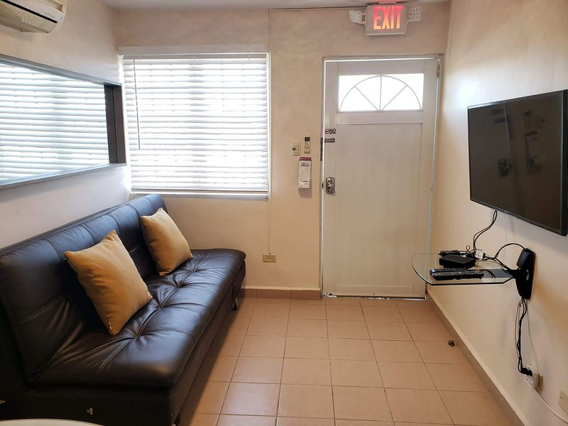 Cozy 2BR apartment with FREE Laundry & Parking, holiday rental in Playa de Guanica