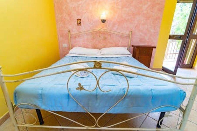 Appartamenti vicino al mare - Villa Mapa - Casa Fiorone, vacation rental in Vieste